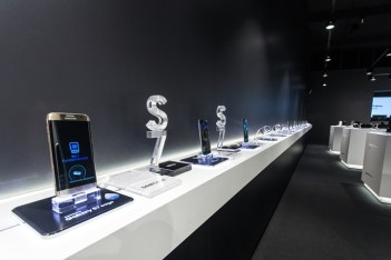 Samsung-pop-up-store-by-Cheil-Germany-Frankfurt-Germany-03